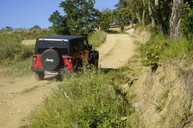 Jeep_75_Saint_Tropez_6