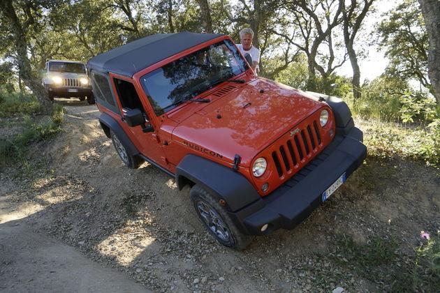 Jeep_75_Saint_Tropez_9