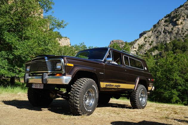 Jeep_Camp_2016_heritage_classic_jeep_wagoneer_eagle