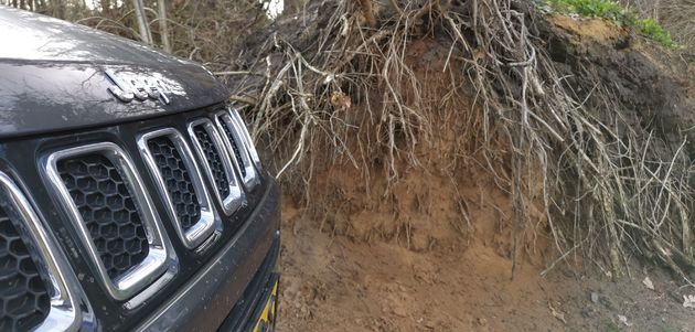 Jeep_Compass_offroad