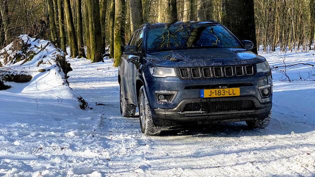 Jeep_Compass_PHEV_Sneeuw