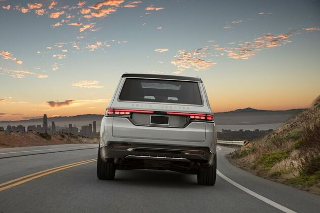 jeep-grand-wagoneer-concept-2021