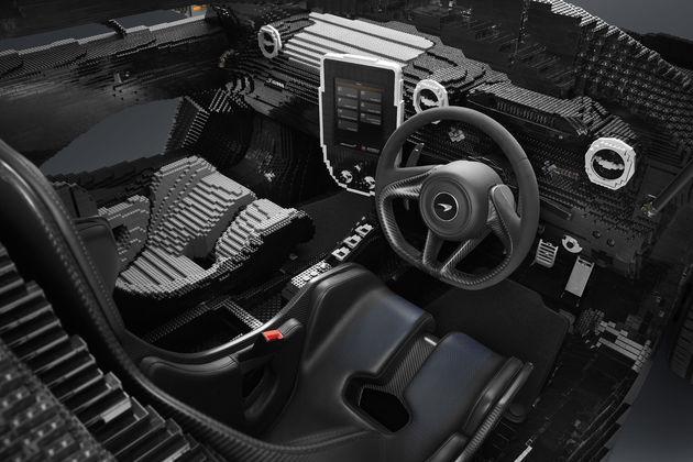 LEGO McLaren Senna_interior