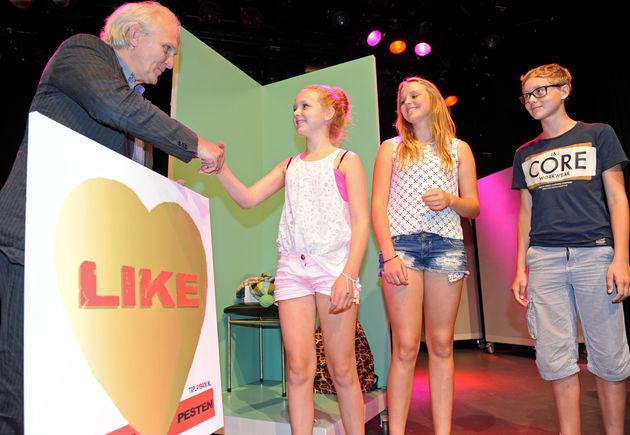 LIKE: een interactive theatershow over internet, social media en (cyber)pesten