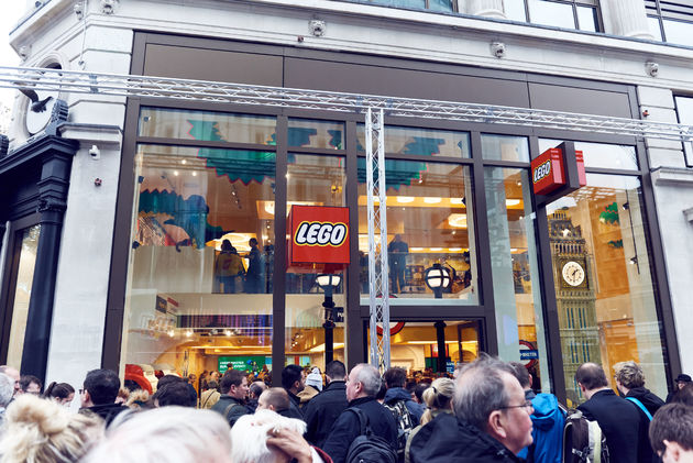 LSQ_UK_LEGO_Store_Opening-75
