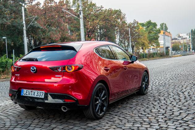 Mazda 3 SkyActiv-X motor in Sofia Bulgarije