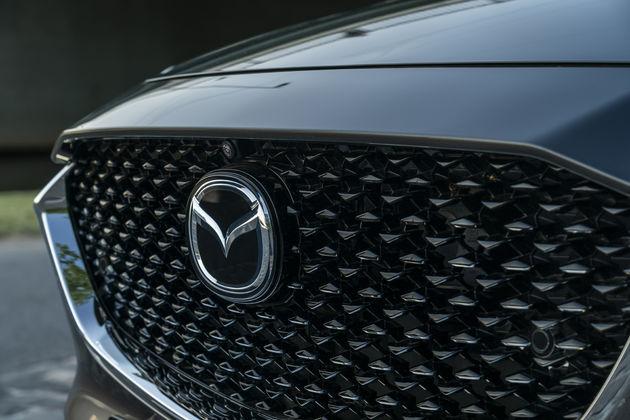 Mazda CX-30_Detail_Machine grey_4