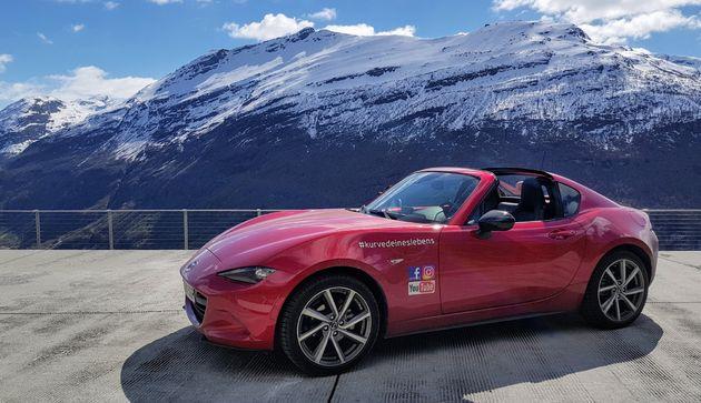 Mazda_MX5_RF_Rood_1