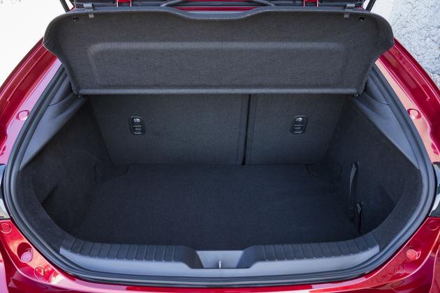 Mazda3_HB_SoulRedCrystal_Detail (17)