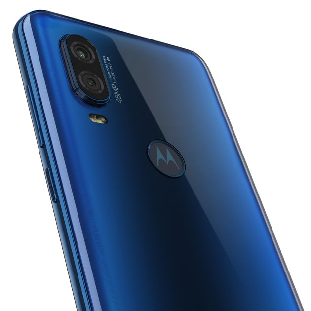 Motorola one Vision_ROW_Sapphire Gradient_Camera Detail 2