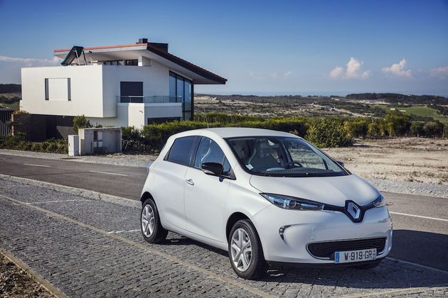 New_Renault_Zoe_PearlWhite_YB_38