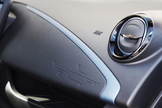 New_Renault_Zoe_ZirconBlue_YB_16