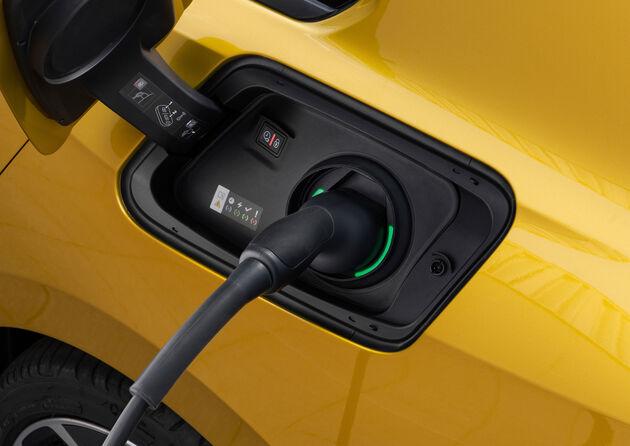 Nieuwe_Opel_Astra_stekker