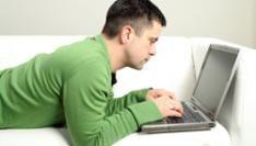 Onliners steeds vaker ook offline
