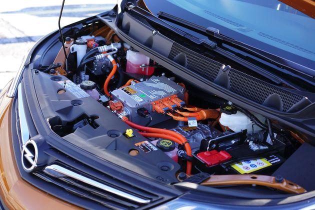 Opel Ampera-e -10- Wouter Spanjaart