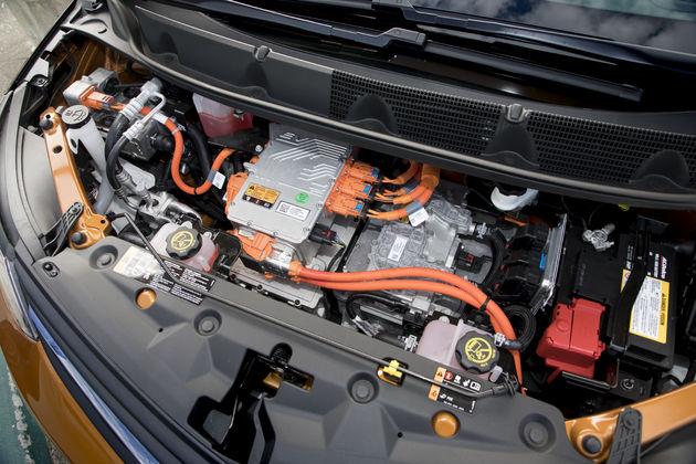 Opel_Ampera-e-16