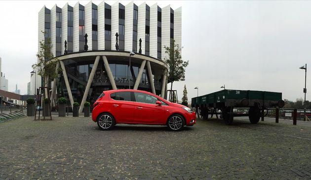 Opel_Corsa_5deurs_rood