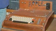 Originele Apple  computer levert £133.250 op