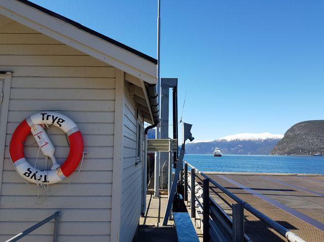 Oversteek_ferrie_Sognefjord