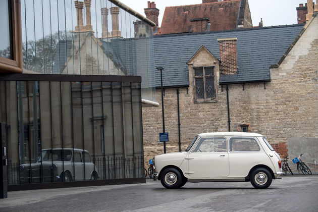 P90331426_highRes_1959-morris-mini-min (1)