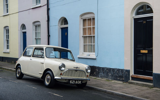 P90331434_highRes_1959-morris-mini-min