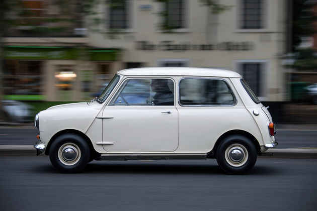 P90331449_highRes_1959-morris-mini-min