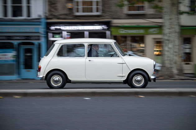 P90331453_highRes_1959-morris-mini-min