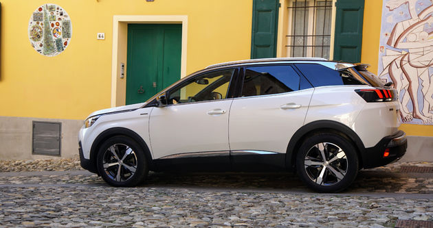 Peugeot_3008_car_of_the_year