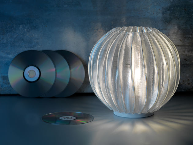 Philips LED table lamp printed from recycled CDs (1)