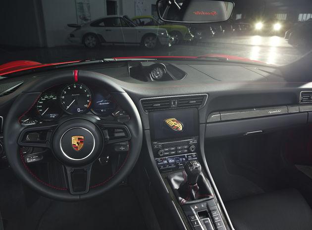 Porsche_911_Speedster_3