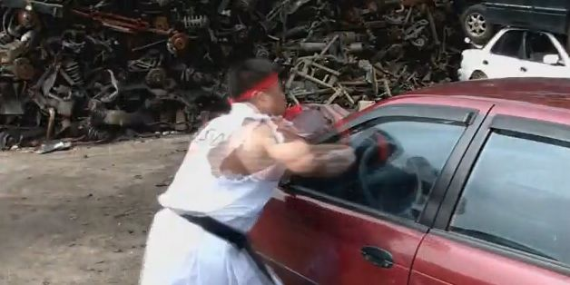 Real-life Street Fighter VS. auto: 1-0