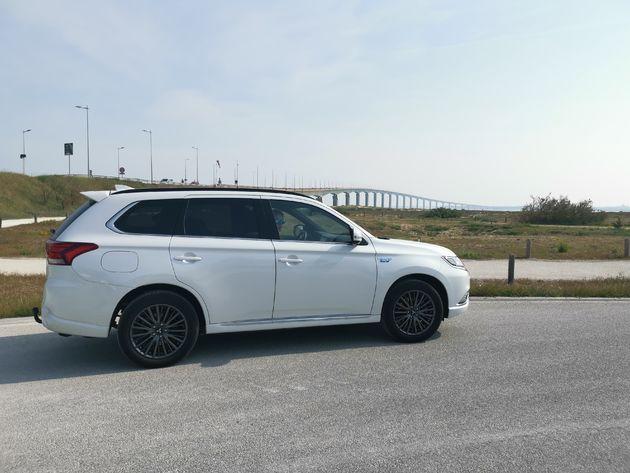 Reis en familie auto PHEV Outlander