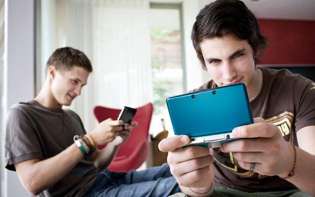 """Review: Is de Nintendo 3DS echt """"een nieuwe dimensie in portable gaming?"""""""
