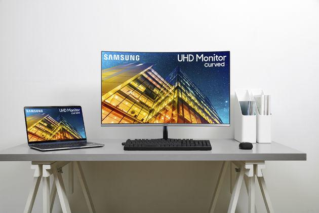 """Samsung UR59C 32"""" Monitor.j"""