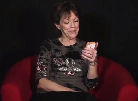 "Siri: ""Hello, my name is Susan"""