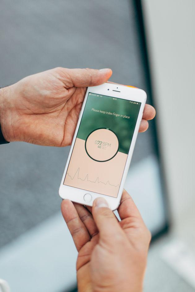 Smartphone spotcheck- front