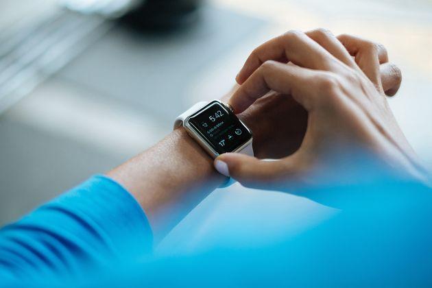 smartwatch-wrist