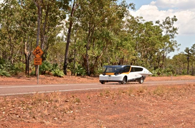 'Stella' rijdt in Australië 875 km met 1 acculading