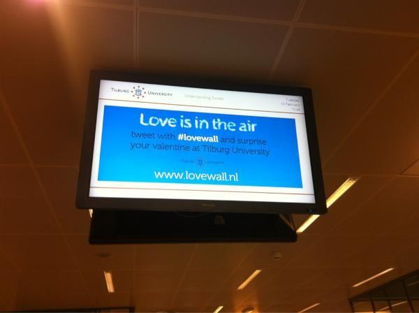 Twitter je liefdeswens de wereld in via de hashtag #loveWall tijdens Valentijnsdag