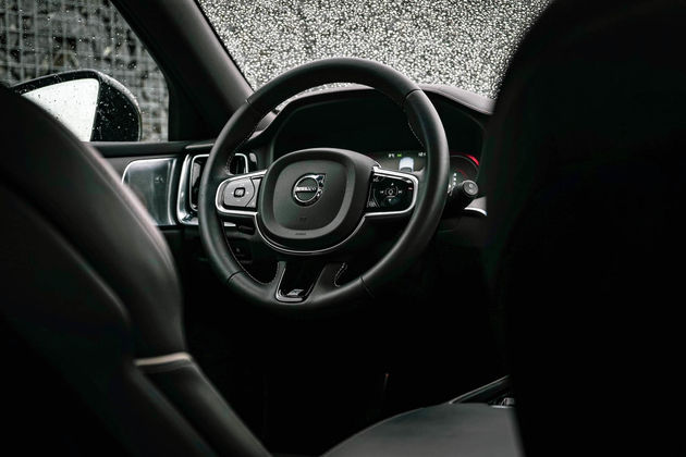 V60-interieur-auto-stuur