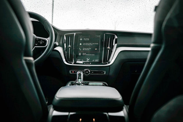 V60-interieur-console-dashboard