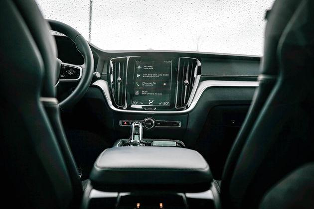 V60-interieur-console-dashboard