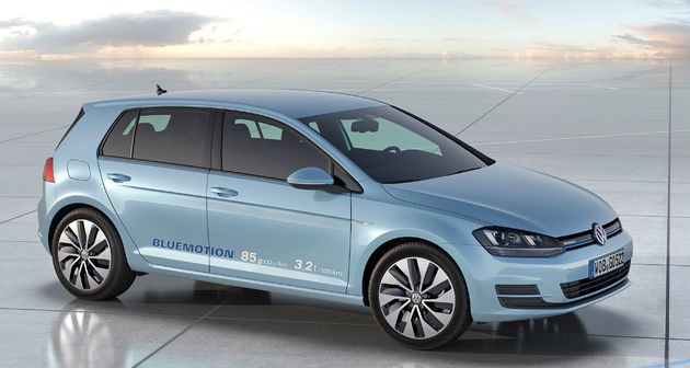 Volkswagen toont studiemodellen Golf BlueMotion en Golf GTI.