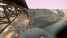 Wel eens van een brug willen springen?