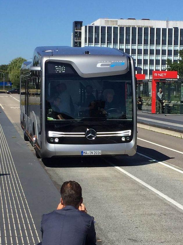 zelfrijdende-bus