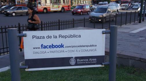 Zit je op Internet of zit je op Facebook?