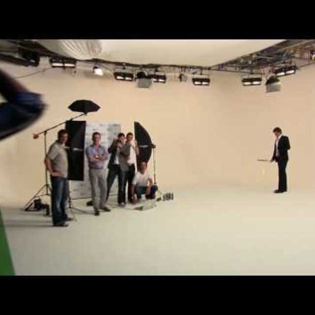 Amazing Roger Federer trickshot on Gillette ad shoot