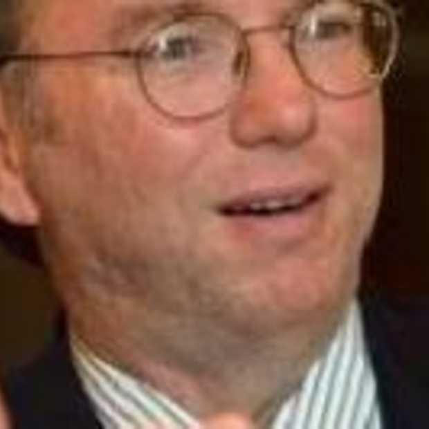 Apple en Google worden rivalen: Schmidt stapt op bij Apple