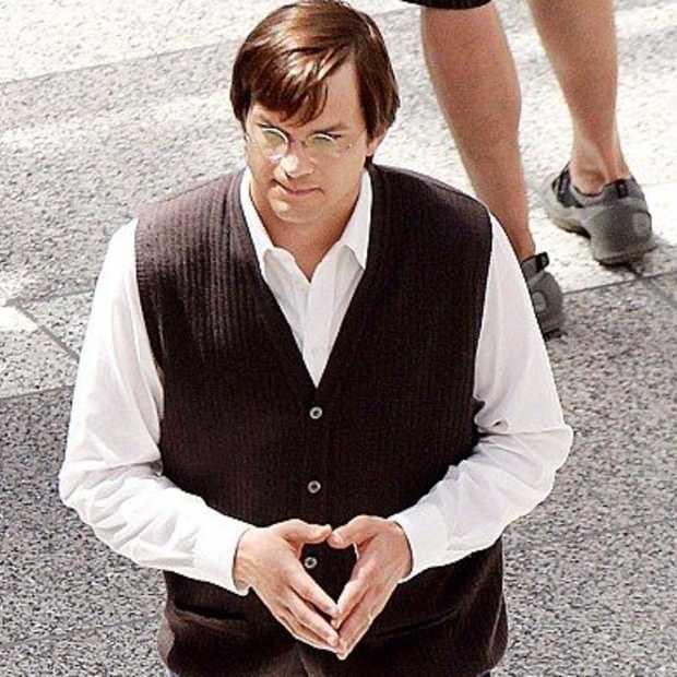 Ashton Kutcher kruipt in de huid van Steve Jobs