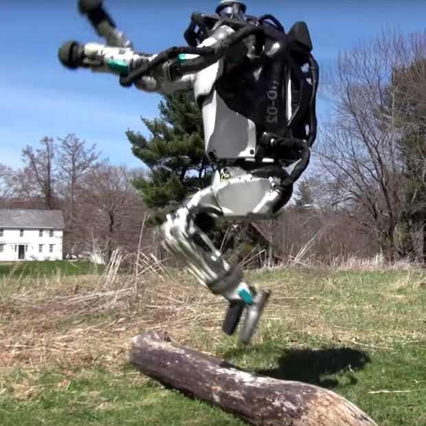 Video: kijk deze robot even joggen en een sprongetje maken